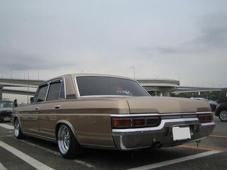 プレジ 旧車 ゴールド リア.jpg