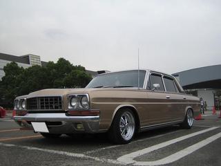 プレジ 旧車 ゴールド マエ.jpg